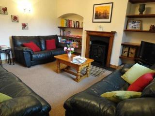 Cozy Cottage with Internet Access and Dishwasher in Fulbeck - Fulbeck vacation rentals