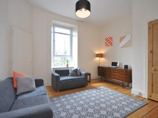Glasgow Shawlands 2 double bed flat - sleeps 4 - Glasgow vacation rentals