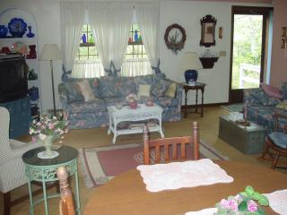 RI Beach Rental Available- Beautiful Beaches! - Charlestown vacation rentals