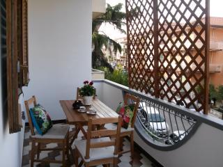 Delizioso appartamento nei pressi di Taormina - Fiumefreddo di Sicilia vacation rentals