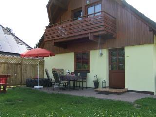familienfreundliches Ferienhaus mit Blick auf See - Frielendorf vacation rentals