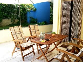 Garden Spacious Two Bedroom in Halkidiki Kallithea - Kalithea vacation rentals