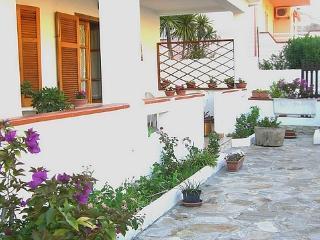 CASA VACANZA L'ORCHIDEA - Fluminimaggiore vacation rentals