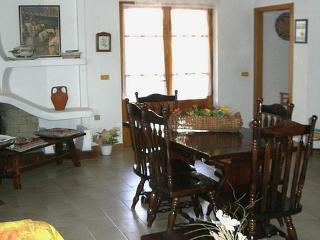 3 bedroom B&B with Internet Access in Fluminimaggiore - Fluminimaggiore vacation rentals
