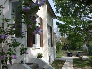 Maison au calme au nord-ouest de Paris - Herblay vacation rentals