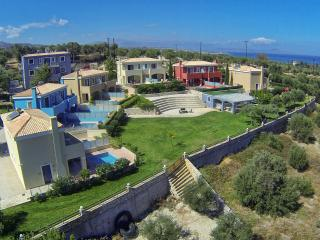 Cozy 2 bedroom Villa in Adelianos Kambos - Adelianos Kambos vacation rentals