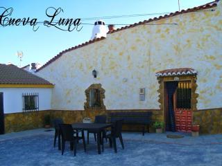 Maison troglodyte : 'Cueva Luna' insolite à Guadix - Guadix vacation rentals