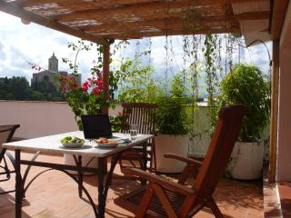 Rooftop terrace apartment with amazing views for 5 - Girona vacation rentals