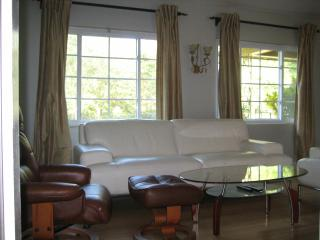 2 bedroom Bungalow with Deck in Winter Park - Winter Park vacation rentals
