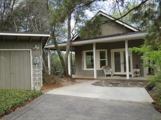 Lovely 1 bedroom Guest house in Murphys with Deck - Murphys vacation rentals