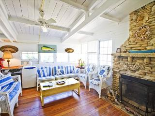 St Augustine The Hut, Historic Beach Front Cottage, OceanFront, LCD TV, Wifi - Saint Augustine vacation rentals