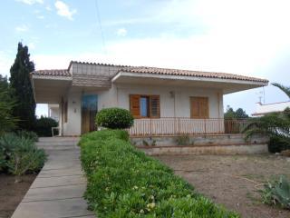 Villa Molli in pieno relax a 350 m dal mare - Noto vacation rentals