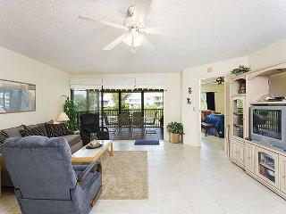 Castaway Cove 3B, on lagoon near beach, Siesta Key - Siesta Key vacation rentals