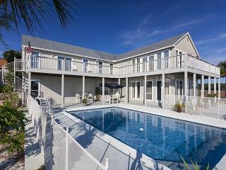 Buccaneer Retreat, 6 Bedrooms, Private Pool, Boat Docks, Events, Weddings - Jacksonville Beach vacation rentals