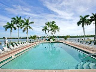 Palm Bay Club Bayside #328, tennis courts, beach, heated pool - Sarasota vacation rentals