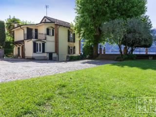 Luxury Lake front Cottage Tremezzo - Cadenabbia di Griante vacation rentals