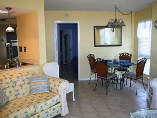 Nice Condo with Internet Access and Dishwasher - North Topsail Beach vacation rentals