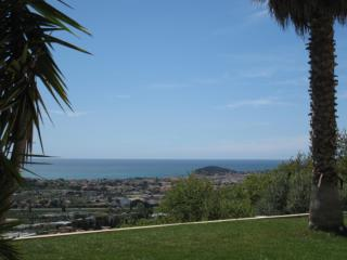 Bright 5 bedroom Villa in Ollioules with Internet Access - Ollioules vacation rentals