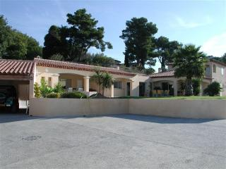 Adorable 5 bedroom Ollioules Villa with Internet Access - Ollioules vacation rentals