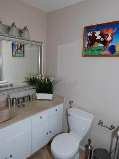Cozy Townhouse with Internet Access and Dishwasher - North Miami Beach vacation rentals