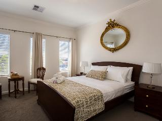 Lakeside Retreat Bed And Breakfast short term stay - Karrinyup vacation rentals