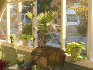 Historic 3BR 2BA, blks from beach and restaurants - Biloxi vacation rentals