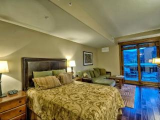 Perfect House with Shared Outdoor Pool and Balcony - Steamboat Springs vacation rentals