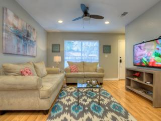 Modern 3/2.5 Downtown Home!!!  - Walk To Rest/Bars-Perfect for Family Vacations - Austin vacation rentals