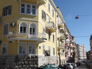East West Apartment - Split vacation rentals