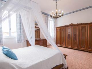 Tuscanbase - Lucca vacation rentals