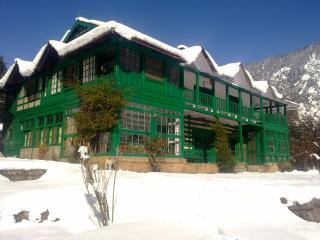 10 bedroom B&B with Internet Access in Manali - Manali vacation rentals