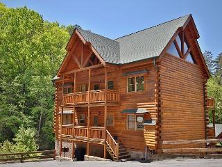 6 Bedroom Cabin, Theater Room, Game Room, Hot Tub, Sleeps 22, Dogs OK, Grill - Sevierville vacation rentals