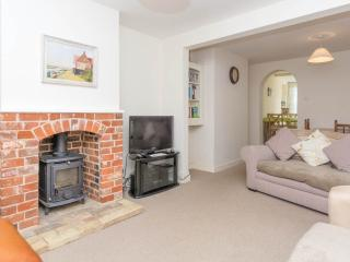 Lovely 2 bedroom Mundesley House with Short Breaks Allowed - Mundesley vacation rentals