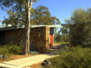 Bluebird Escape, Southern Highlands - Canyonleigh vacation rentals