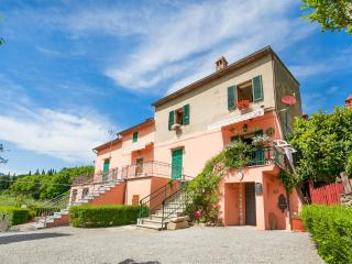 1 bedroom sleeps 4, beautiful view - Cortona vacation rentals