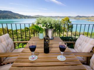Sunny Finca in El Chorro with Balcony, sleeps 2 - El Chorro vacation rentals