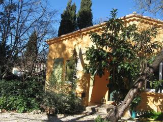 Maison lumineuse et confortable 84m² sur terrain - Saint-Cannat vacation rentals