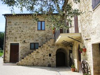 Appartmento in casolare del XV sec, Appartment - Cannara vacation rentals