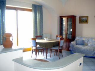 Ischia. Lacco Ameno. Appartamento fronte mare - Lacco Ameno vacation rentals