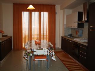 Nuovissimo appartamento sul lungomare di S. Agata. - Sant'Agata di Militello vacation rentals