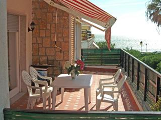 Cozy Condo in El Puerto de Santa Maria with Internet Access, sleeps 4 - El Puerto de Santa Maria vacation rentals