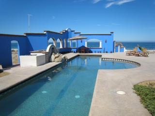 Casa Ventanas Del Mar, Beachfront with Lap pool. - El Cardonal vacation rentals