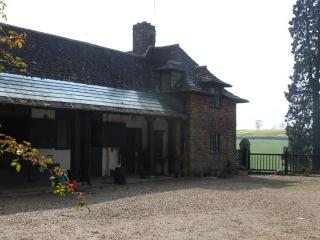 Stable Cottage, Charming Self-catering Cottage - Farthingstone vacation rentals
