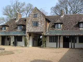 The Grooms Flat, Idyllic Countryside Location - Towcester vacation rentals