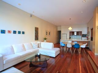 Comfortable House with Internet Access and A/C - Sydney vacation rentals