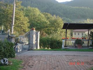 appartamento in porzione di villa vicino terme sor - Sorano vacation rentals