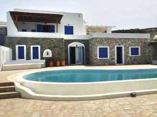 Excellent Villa with Pool at Mykono - Agios Ioannis vacation rentals