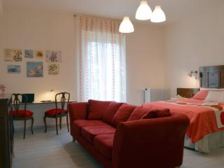 2 bedroom House with Internet Access in Bresso - Bresso vacation rentals