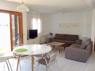 Beautiful 3 bedroom Condo in Arta with Internet Access - Arta vacation rentals