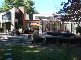 Cozy 3 bedroom Saint Joseph House with Deck - Saint Joseph vacation rentals